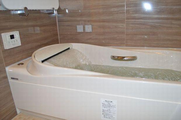t..y.sekou_af.bath